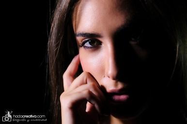Retrato mujer en estudio