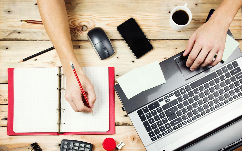 تفريغ أفكار – العمل الحر والهراء المستحدث