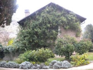 medieval cottage at Ninfa