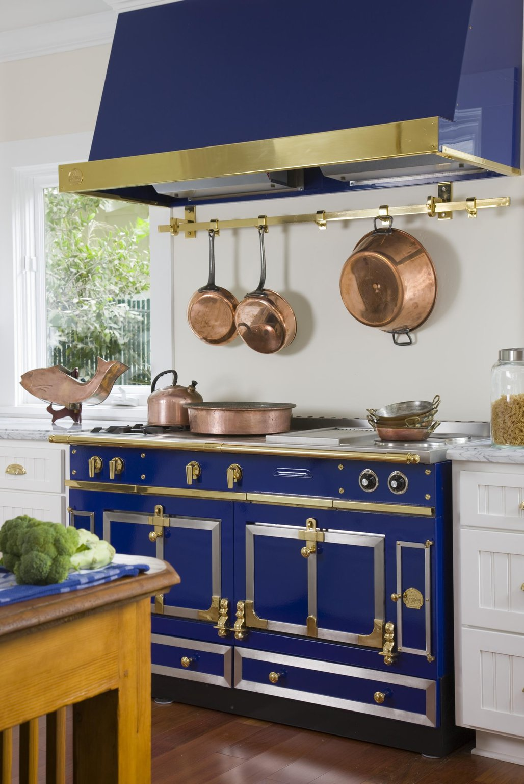colored kitchen appliances chairs on casters be daring and try these colorful decoration