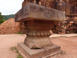 Diese mit Brüsten verzierte Basis eines Linga war der Liebling aller Touristen
