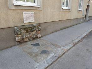 Spuren der Lagermauern in der Stadt