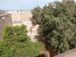 Blick in den Hof der Kasbah mit Heiligengrab
