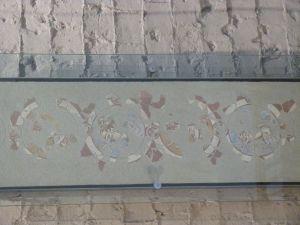 Wandmalerei mit Mustern sasanidischen Ursprungs in der Burgkapelle