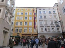 Mozarts Geburtshaus, drinnen dürfte man keine Fotos machen