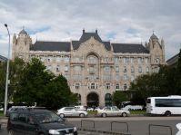 Der Gresham-Palast gehört zu den renovierten Jugendstilbauten, denn darin ist heute ein Luxushotel untergebracht