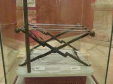 Sella castrensis aus dem Grab eines Offiziers im Nationalmuseum