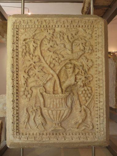 Nochmal Mschatta in Noricum: Römerstein im Museum von Teurnia
