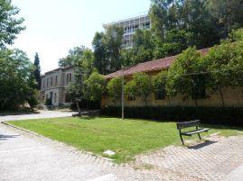 Das Museum des Demokratischen Widerstands, das in einem Gebäude befindet, das in der Zeit der Militärjunta 1967 bis 1974 als Hauptquartier der Militärpolizei genutzt wurde, war leider entgegen der Ankündigung geschlossen - schade, das hätte ich gerne gesehen