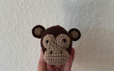 Hæklet abe til sangkuffert