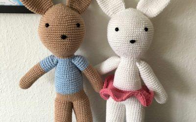 Store hæklede kaniner – dreng & pige