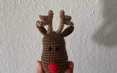 Hæklet rensdyr til julesangkuffert