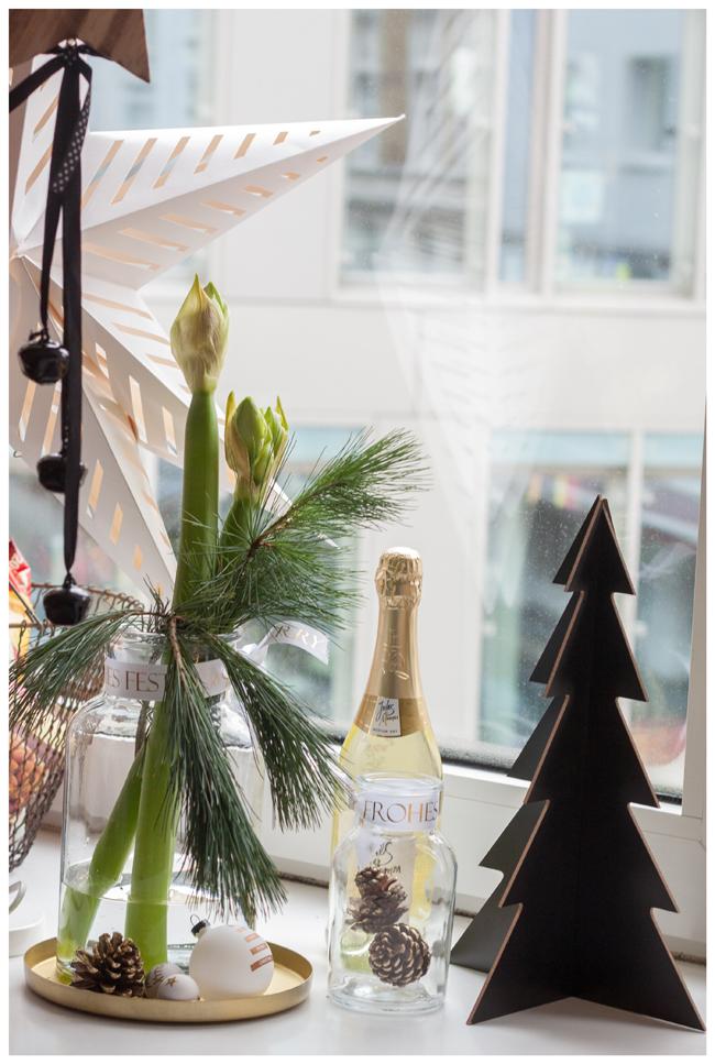 Weihnachtszeit ist Dekozeit  Blumige Weihnachtsdeko