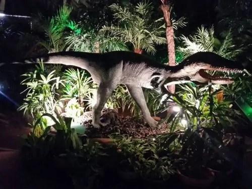 Backyard Monsters And Dinosaurs_4