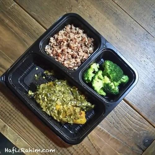 Tilapia Sambal Hijau, Muti Grain Brown Rice & Broccoli