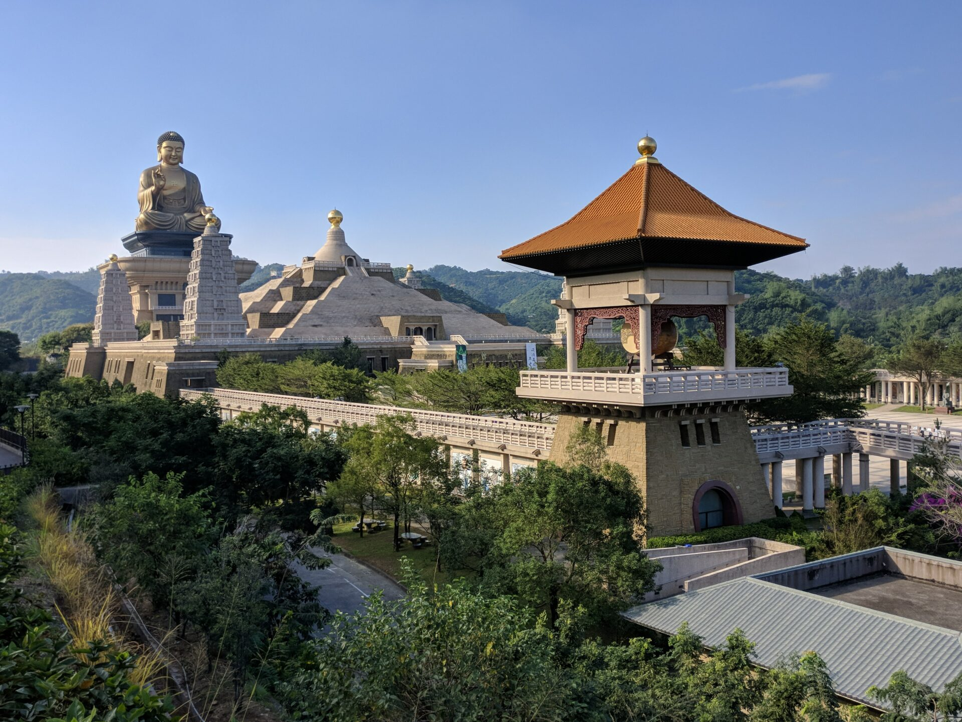 Fo Guang Shan Buddha Memorial Hall