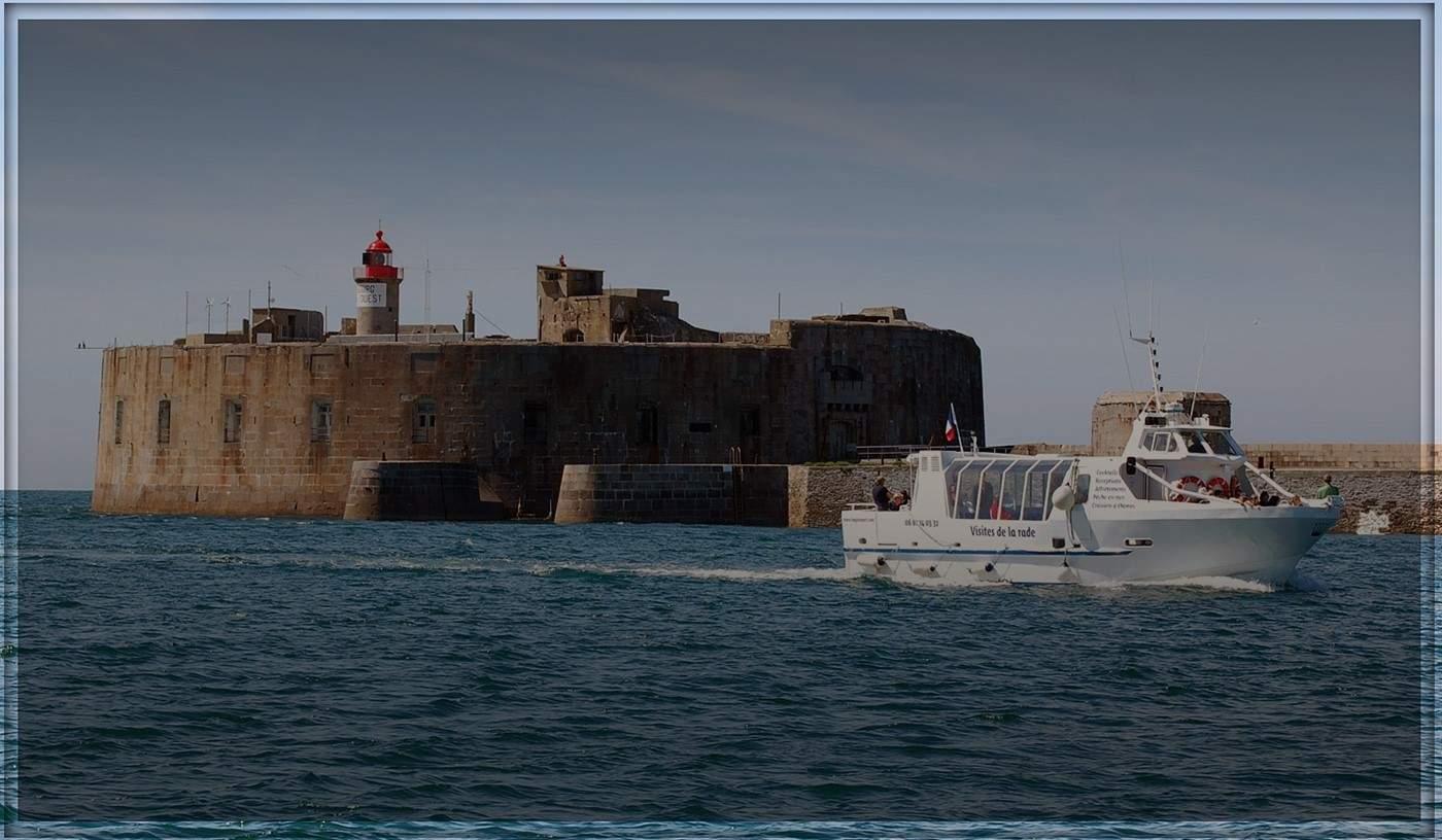 bateau à passagers en Rade de Cherbourg