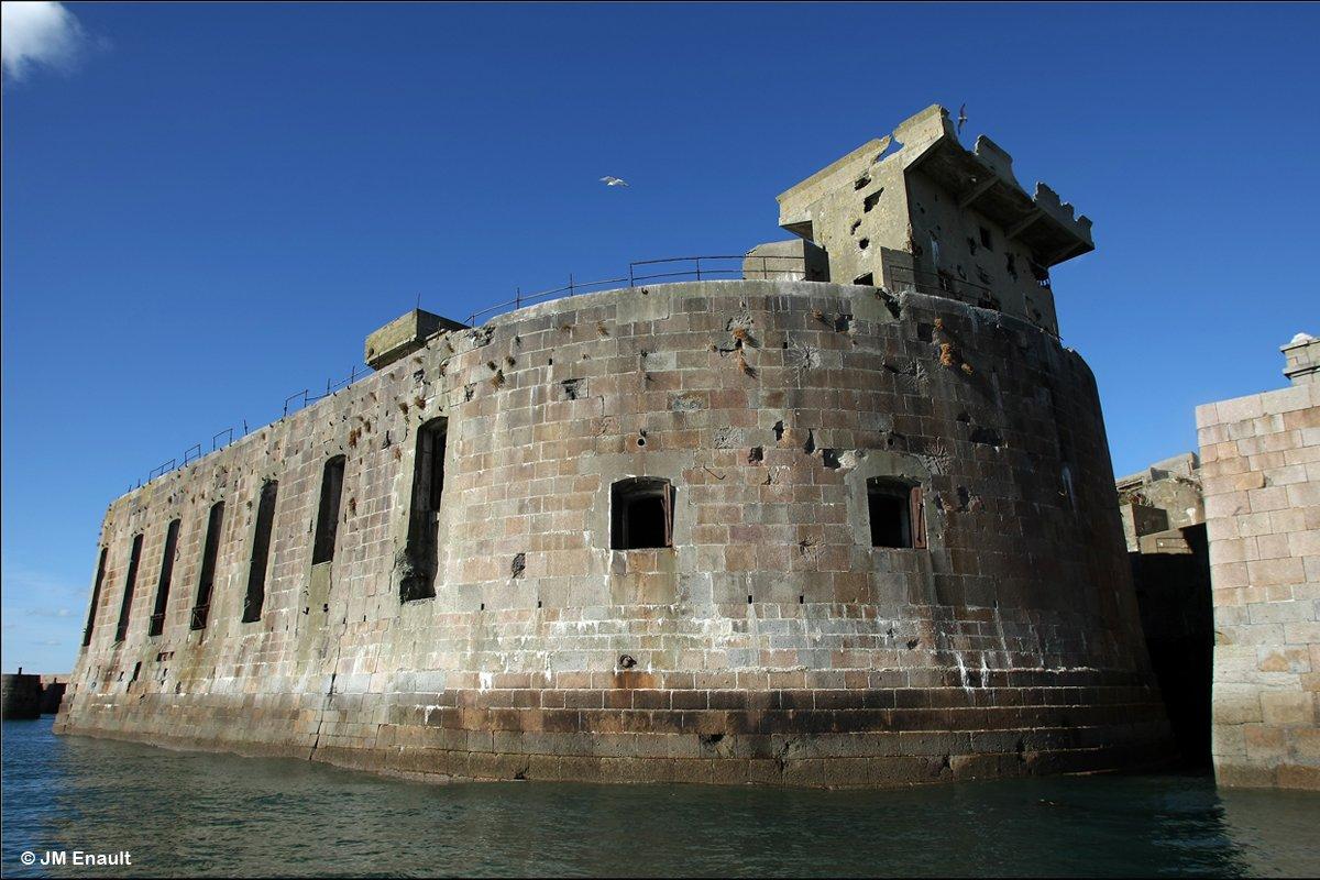Fort Rade de Cherbourg ©JM Enault
