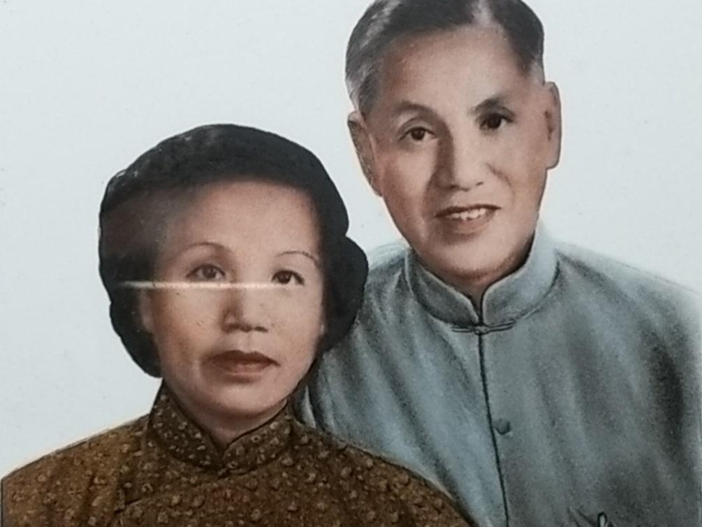 Ein altes, coloriertes Foto meiner Großeltern väterlicherseits