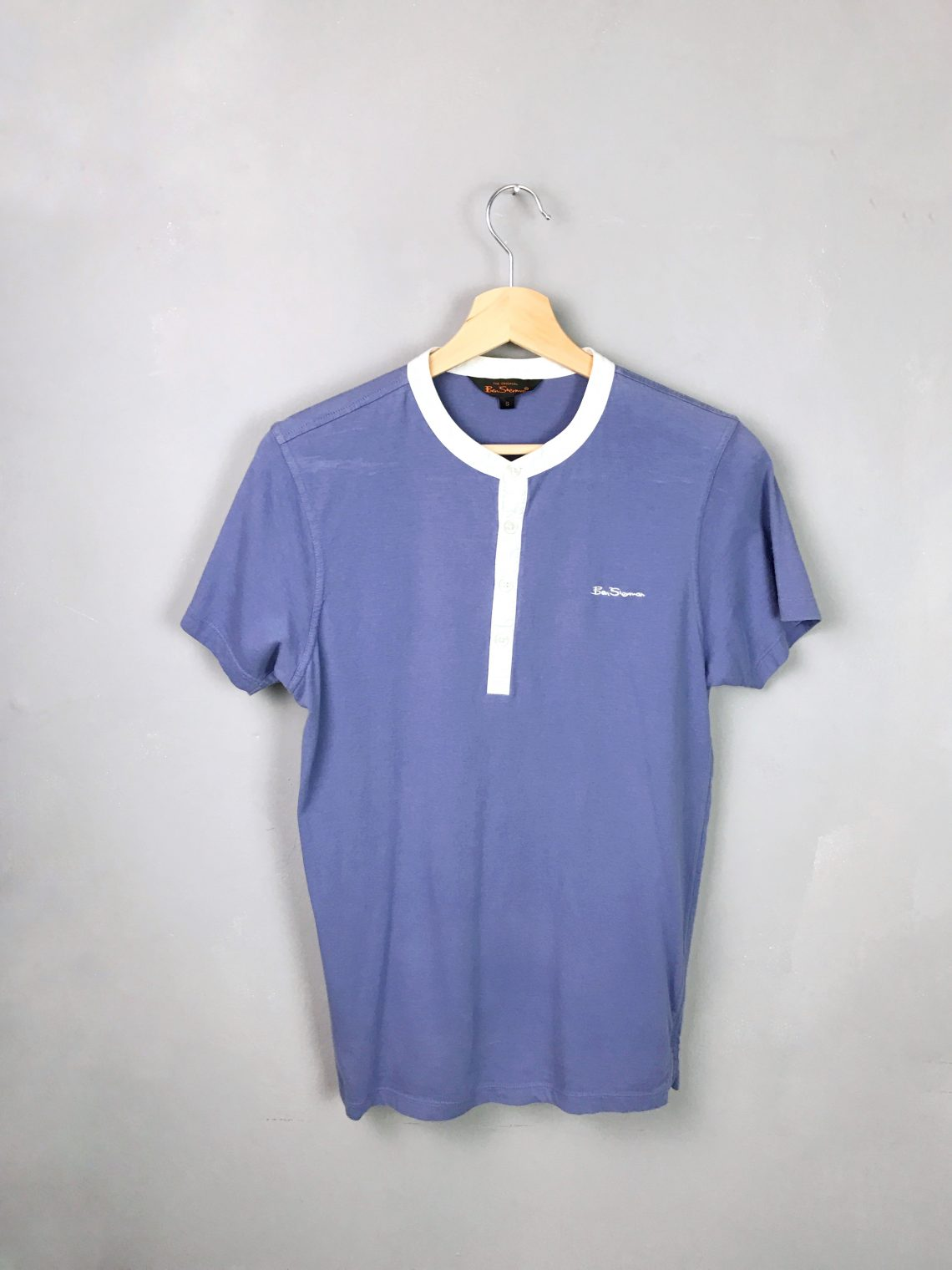 BEN SHERMAN T-Shirt purple blue white collar