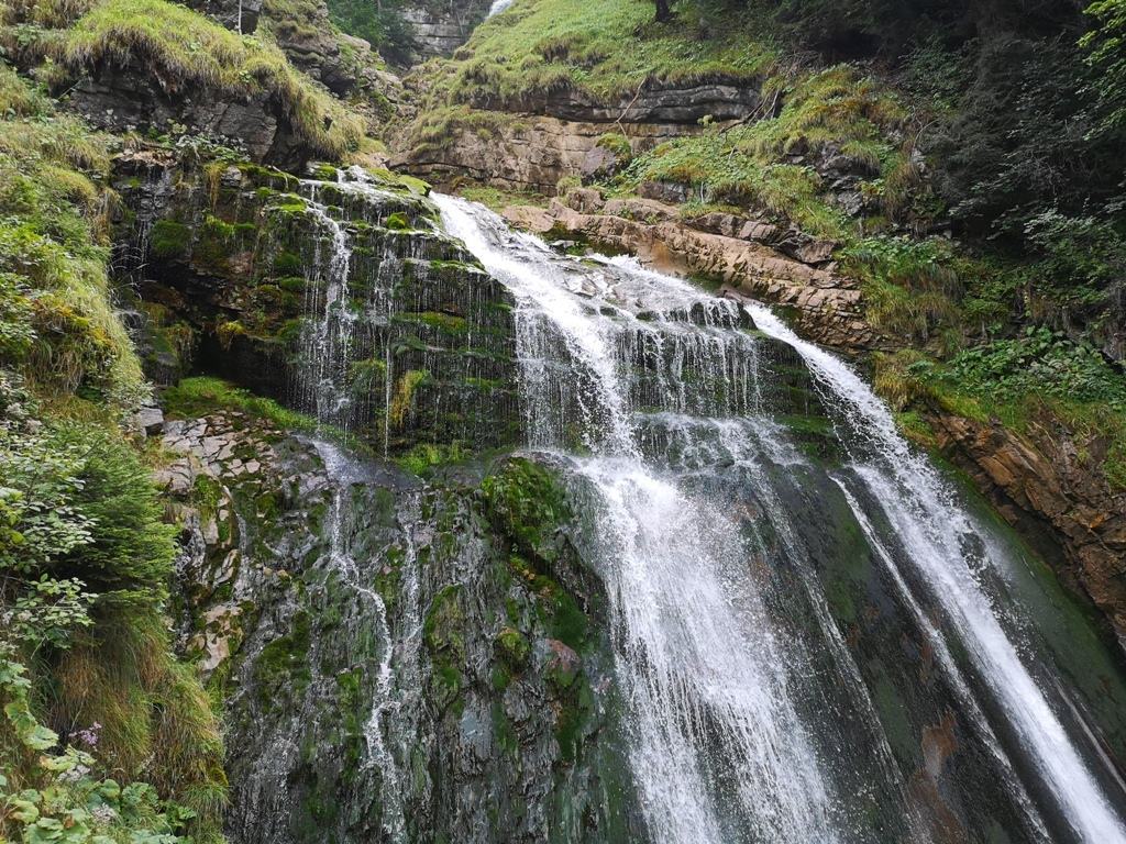 Waterfalls of mount diablo loop trail is a 7.9 mile moderately trafficked loop trail located near clayton, california that features a waterfall and is rated. 5 Easy Day Trips From Interlaken Switzerland Haihui Story