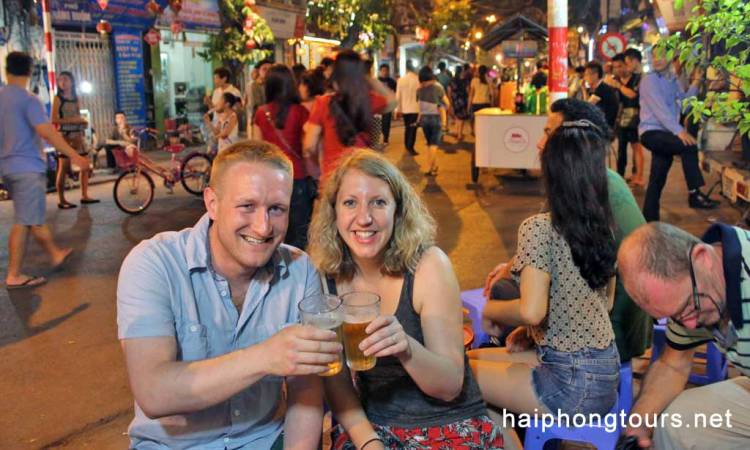 Local beer Hanoi street food tour