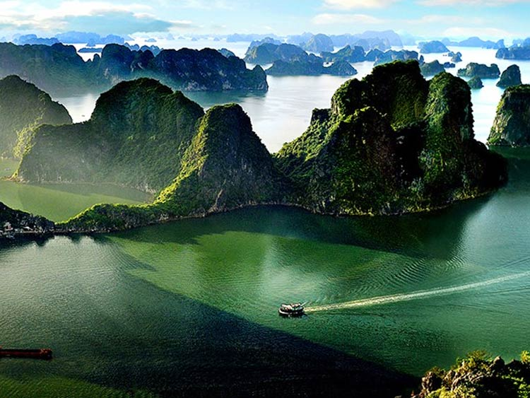 Differences between Halong bay, Lan Ha bay, Bai Tu Long bay
