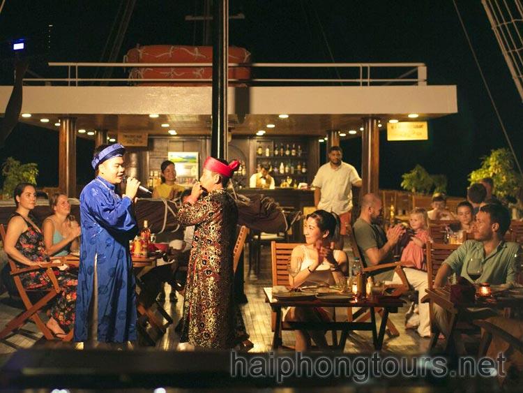 traditional Vietnamese music performance