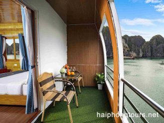 Private balcony in La Paci cruise