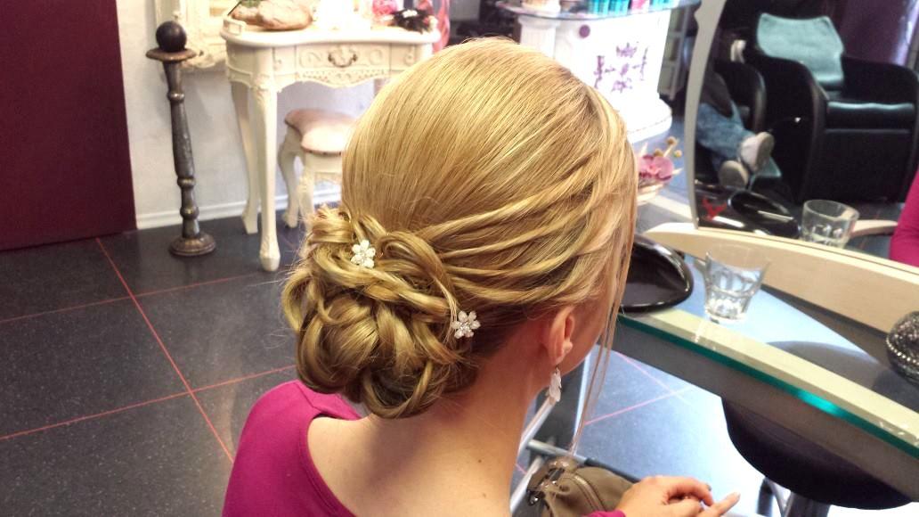 Perfekte Brautfrisur  Make Up  TopFriseur Hair Affair