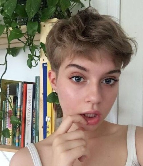Boyish-Haircut-for-Girls Short Pixie Haircuts for Pretty Look