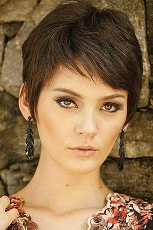Casual-Pixie Outstanding Pixie Cut Hairstyles You will Love