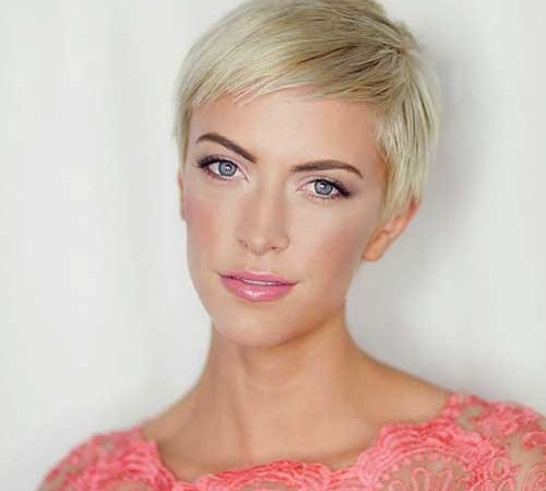 Simple-Pixie Outstanding Pixie Cut Hairstyles You will Love
