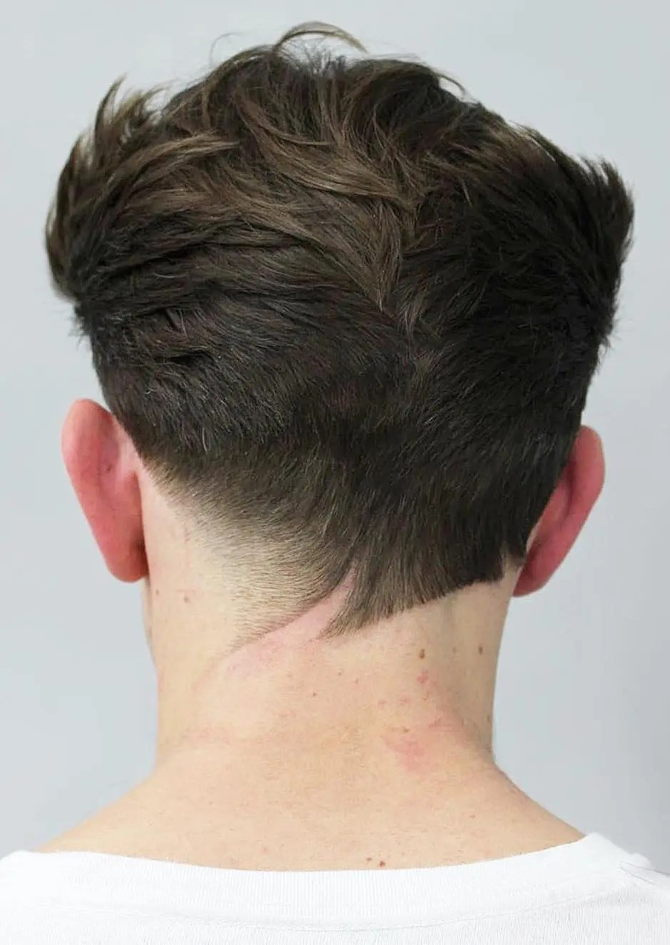 V Shaped Haircut Men's : shaped, haircut, men's, V-Shaped, Neckline, Haircuts, Unconventional