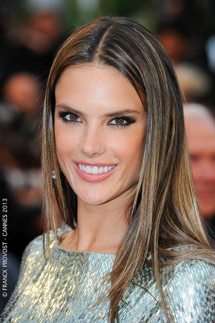 Alessandra Ambrosio Hair Color Hair Colar And Cut Style