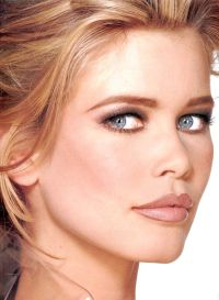 Claudia Schiffer Hair Color - Hair Colar And Cut Style