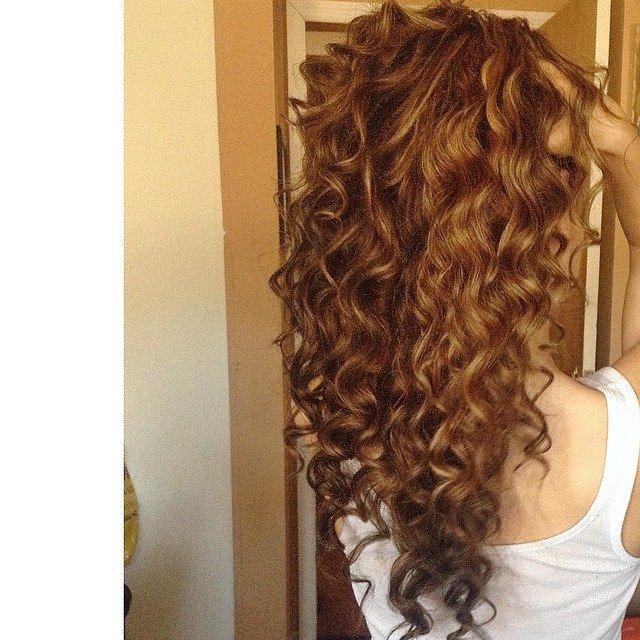 Caramel Curly Hair Hair Colar And Cut Style