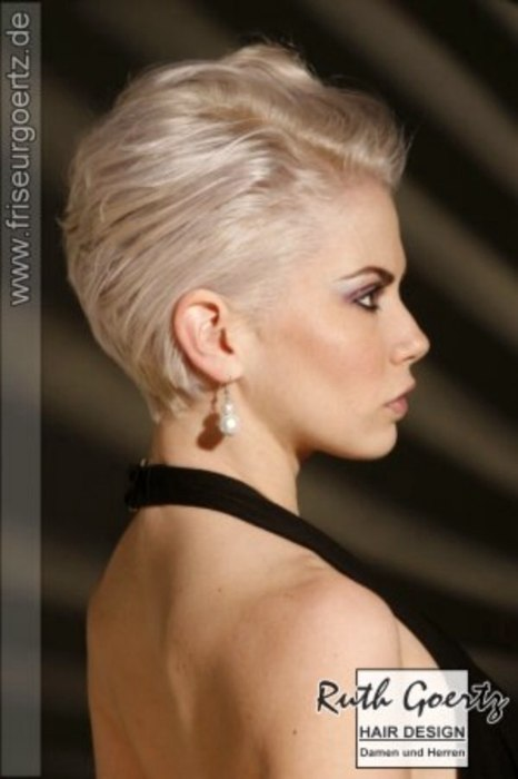 Neckline Haircut For Ladies : neckline, haircut, ladies, Elegant, Short, Hairstyles, Tapered, Necklines, Fashion, Colors