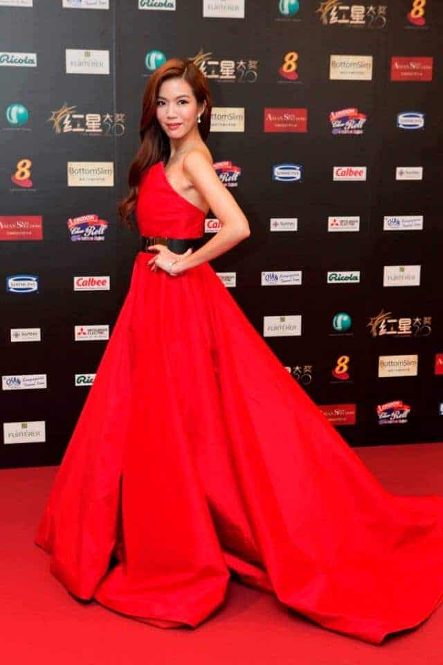 Rui-En-Star-Awards-2014-wavy-hair1