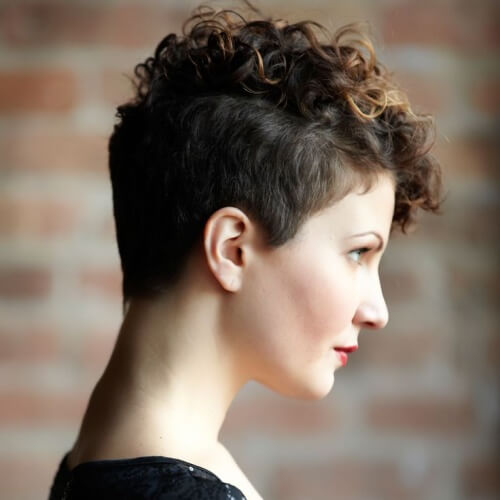 50 Ravishing Short Hairstyles for Curly Hair  Hair Motive