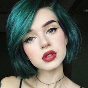 short & straight hairstyles