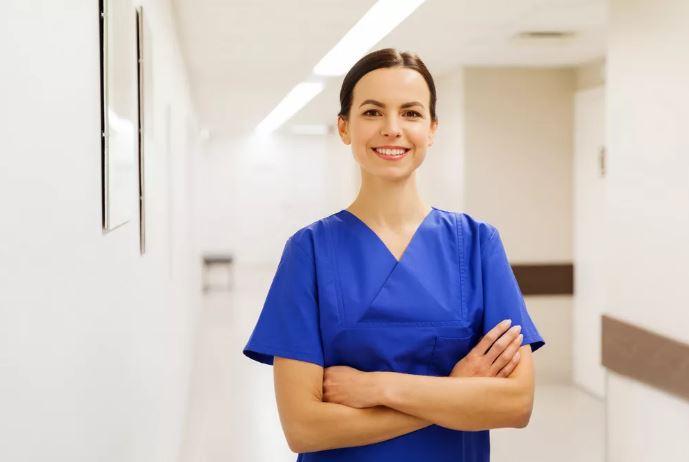 hair-transplant-technician
