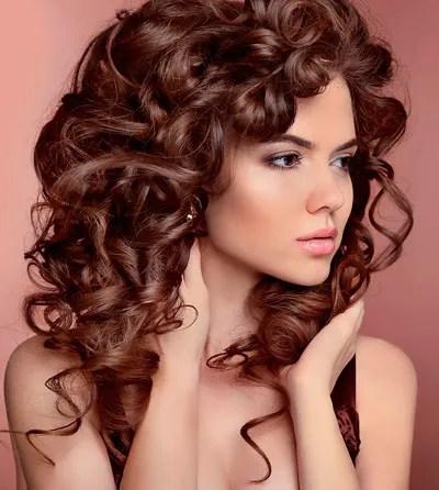 un salon de coiffure a theize