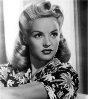 vintage victory rolls 1940's