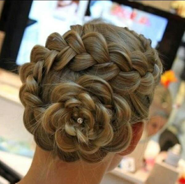 22 Epic Dance Hairstyles To Make You Feel Confident