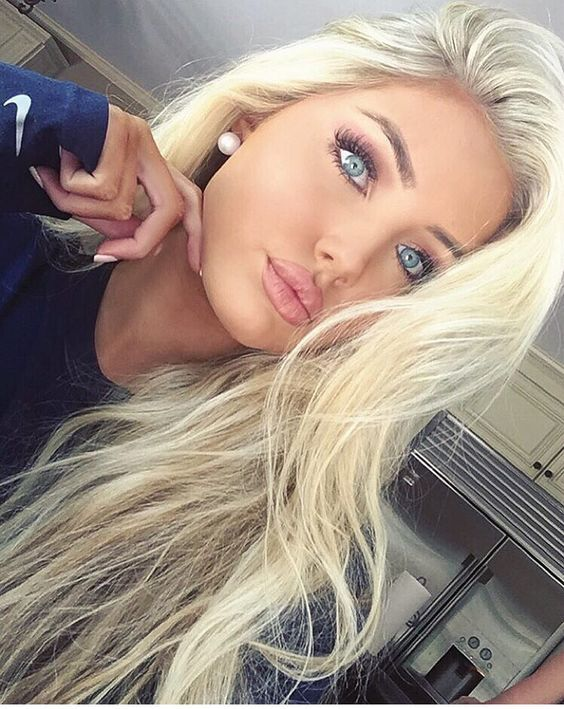 10 Ideal Blonde Hairstyles For Women With Blue Eyes