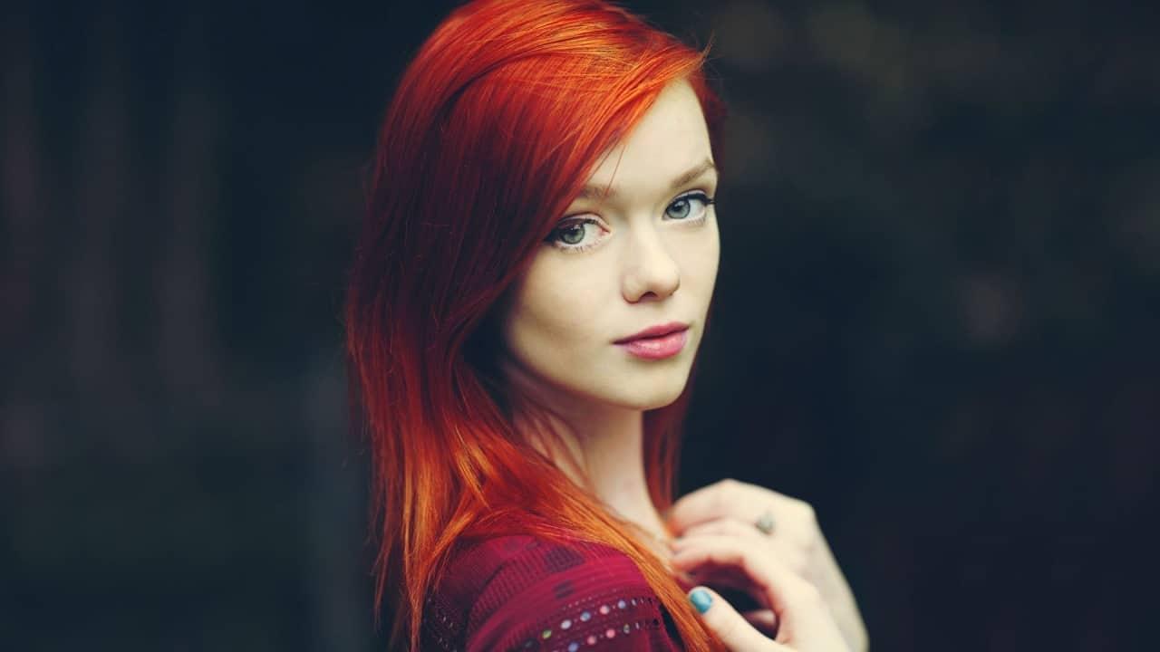 10 Ravishing Red Hairstyles for Mesmerizing GreenEyed Girls