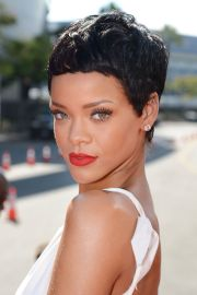 chic and beautiful short hairstyles