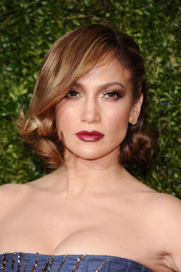 Hairstyle Ideas: Short Wavy Hairstyles For Older Round Faces. Retro Curls Widescreen Short Wavy Hairstyles For Older Round Faces Over Iphone Hd Pics Gorgeous Mother Of The Bride