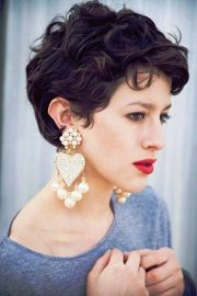 short curly hairstyles 'll